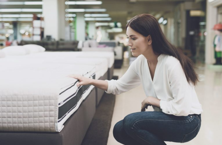 Canadians Stop Buying Mattresses From local Stores