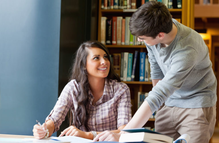 5 Top Reasons Students from Canada Look for Essay Writing Help Online